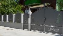 kovane-ograde-i-kapije-zatvorene-lim-limene-markfer