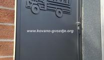 panelne-kapije-i-ograde-za-firme-sa-logo-novi-sad-klisa
