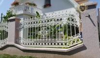 kovane-ograde-za-dvorista-bele-boje-sremska-mitrovica